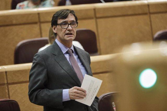 El ministro de Sanidad, Salvador Illa, durante su intervención en una sesión de control al Gobierno en el Senado