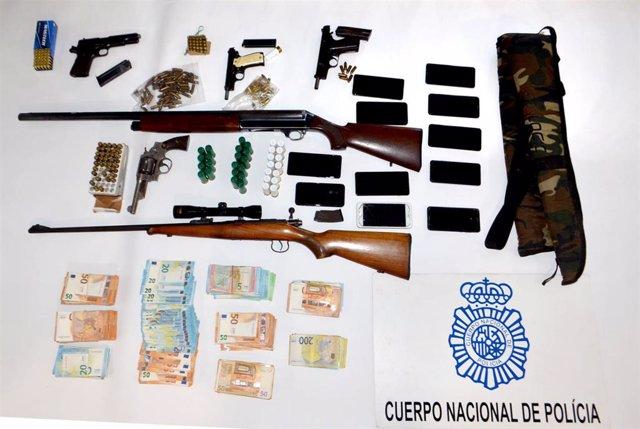 """Nota De Prensa E Imágenes:""""La """"Operación Taifa"""" De La Policía Nacional En Almería, Culmina Con 18 Personas Detenidas Y 28 Registros En El Cerro De San Cristóbal"""""""