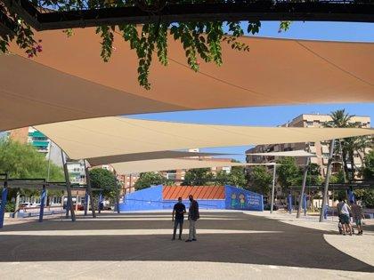 Un toldo de 1.000 m2 cubre el anfiteatro de La Seda creando un nuevo espacio para los murcianos todo el año