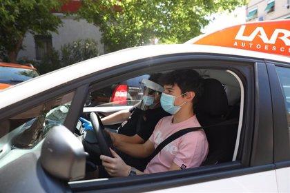 Autoescuelas exigen al Gobierno soluciones por la falta de personal en las Jefaturas de Tráfico