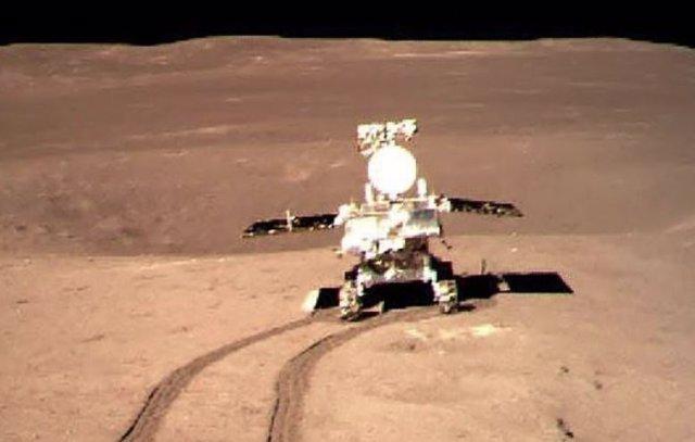 Rover Yutu 2 en el lado oculto de la Luna