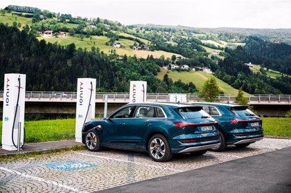 Audi vende 17.641 unidades del e-tron en todo el mundo en el primer semestre, un 86,8% más