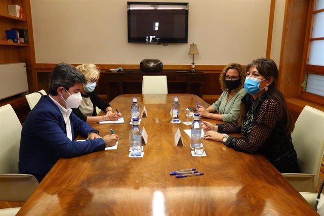El alcalde de Huesca se ha reunido con las consjeras de Presidencia y Sanidad y la subdelegada del Gobierno