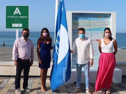 Las playas de Torrox (Málaga) ya cuentan con la Bandera Azul y el distintivo 'Andalucía Segura'