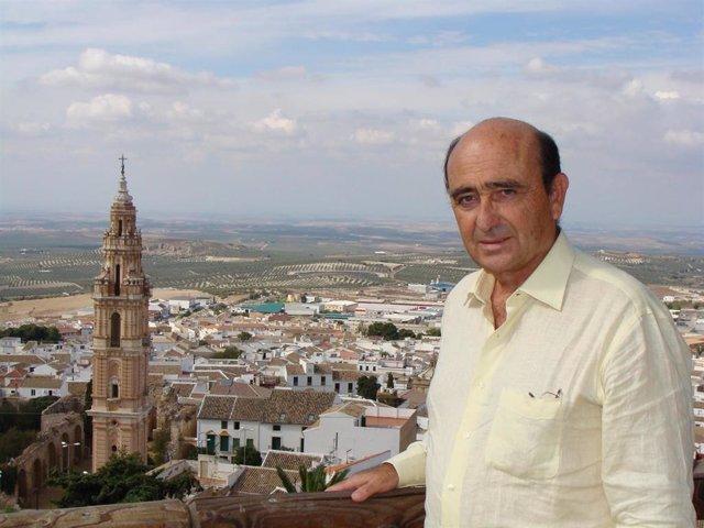 El presidente del Consejo Regulador de la Denominación de Origen Estepa, José María Loring.