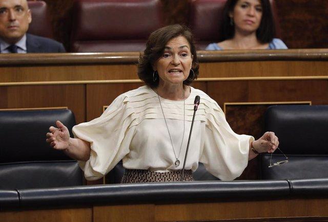 La vicepresidenta Carmen Calvo durante una sesión de control al Gobierno en el Congreso