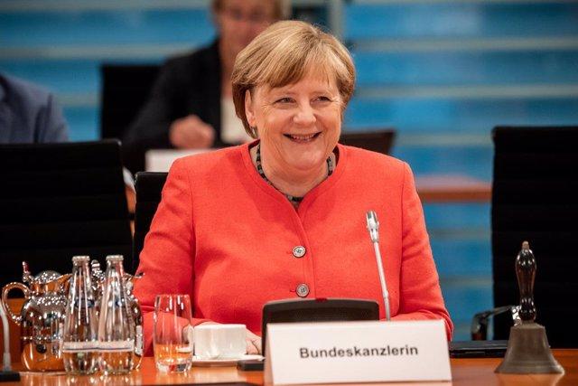 Cumbre UE.- Merkel advierte de que las diferencias de los 27 sobre el fondo euro