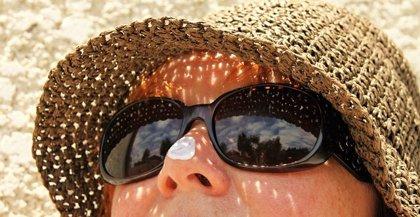 Cómo proteger la piel y la vista del sol y prevenir otitis y conjuntivitis