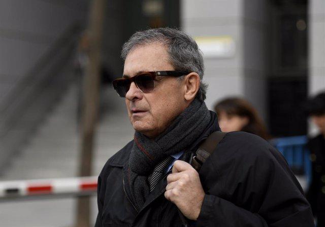 L'empresari i fill primogènit de l'expresident de la Generalitat de Catalunya Jordi Pujol, Jordi Pujol Ferrusola, a la seva sortida de l'Audiència Nacional després de declarar en qualitat d'investigat per un altre possible delicte de blanqueig.