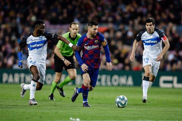 Fútbol.- El Alavés-Barça y el Villarreal-Eibar, sin nada en juego, se adelantan