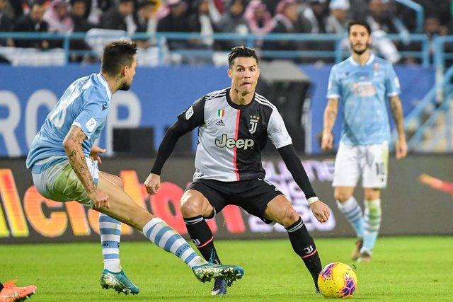 Fútbol/Calcio.- (Previa) Juventus y Lazio llegan cabizbajos a un duelo fundament