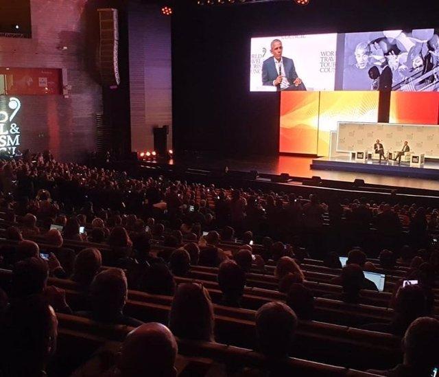 Imagen de archivo del ex presidente de Estados Unidos, Barack Obama, en un de la cumbre de la WTTC.