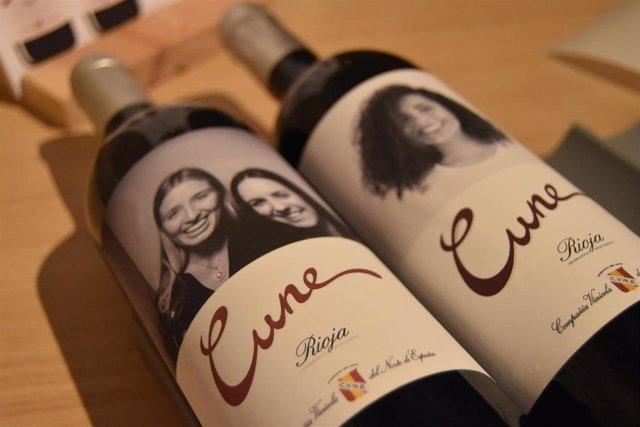 CVNE instala un fotomatón para hacer etiquetas personalizadas para sus vinos