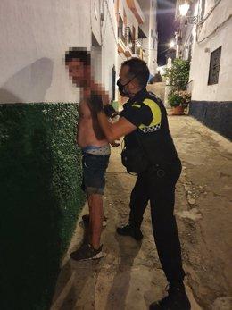 Detención del presunto autor de los actos vandálicos.