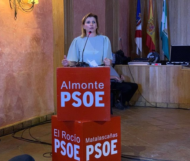 Azucena León, secretaria general del PSOE de Almonte