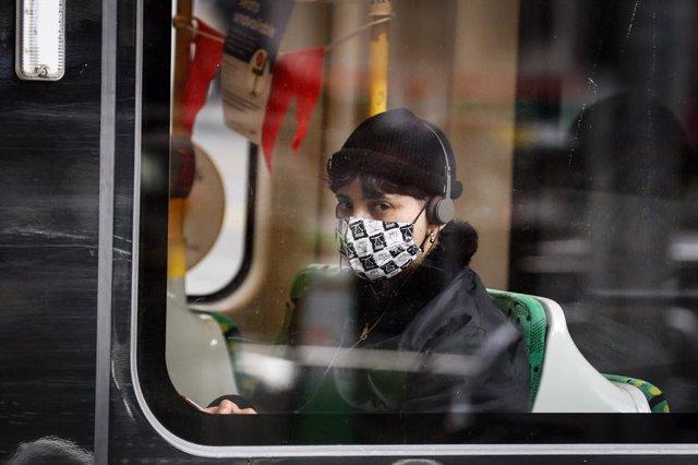 Melbourne makes masks mandatory