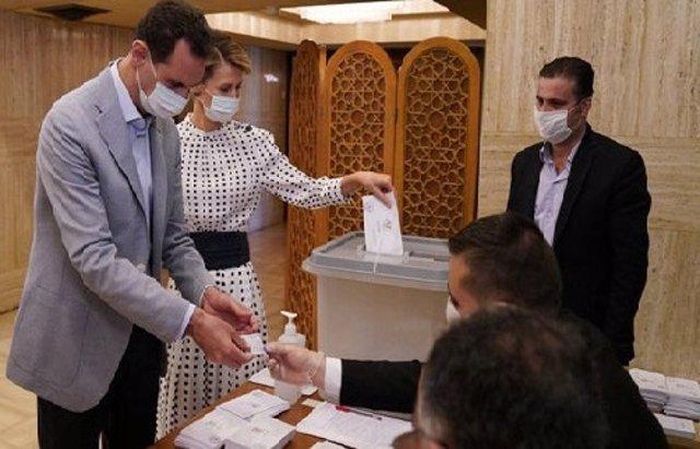 Siria.- La cúpula del Gobierno sirio deposita su voto en las legislativas de est