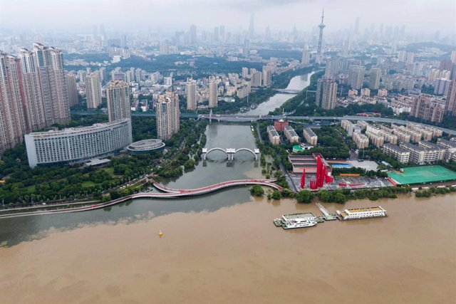 China.- El Gobierno chino declara el estado de alarma por los desbordamientos en