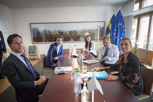 El primer ministro holandés, Mark Rutte; el canciller austriaco, Sebastian Kurz, la primera ministra finlandesa, Sanna Marin; la primera ministra danesa, Mette Frederiksen, y el primer ministro sueco, Stefan Loefven, en la cumbre especial de la UE.