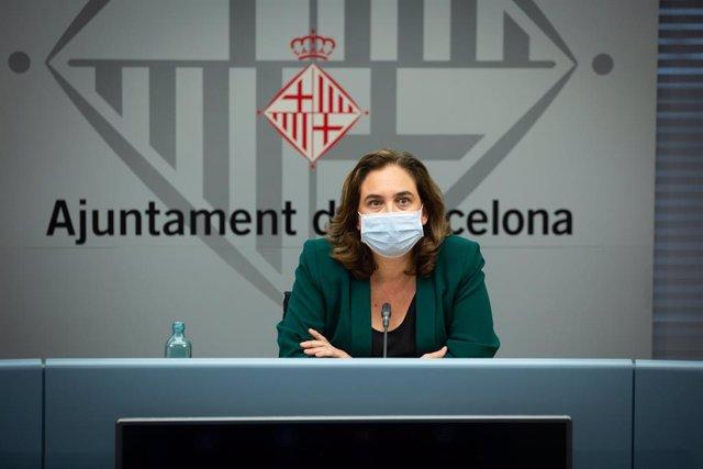 L'alcaldessa de Barcelona, Ada Colau, ofereix una roda de premsa per informar sobre la situació del coronavirus a a la ciutat. Catalunya (Espanya), 13 de juliol del 2020.