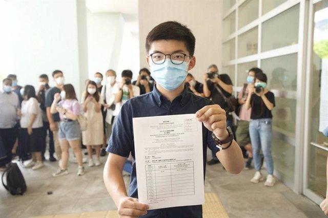 China.- El activista pro democracia Joshua Wong anuncia su candidatura al Parlam