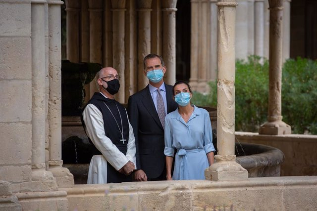 Els reis Felip VI i Letícia recorren el monestir de Poblet amb l'abat, Octavi Vilà, a Vimbodí i Poblet (Tarragona) el 20/7/2020