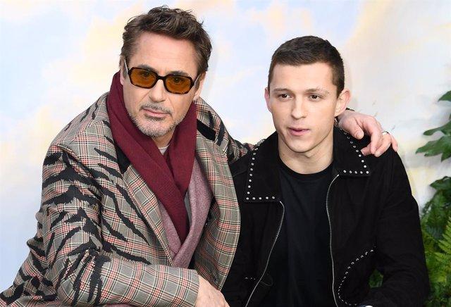 Robert Downey Jr And Tom Holland En La Premerie De Dolittle