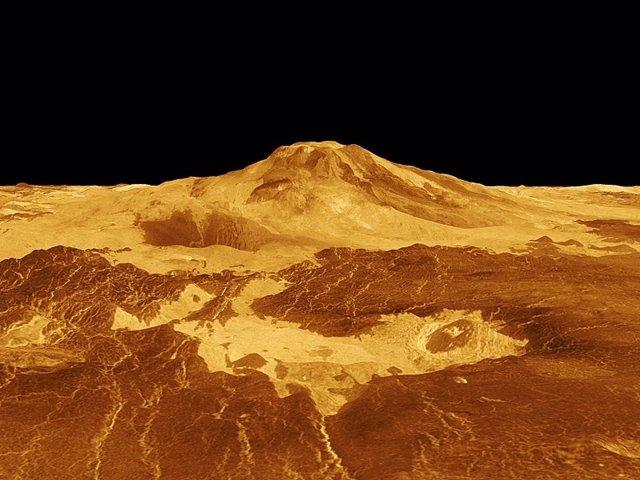 Volcán en la superficie de Venus