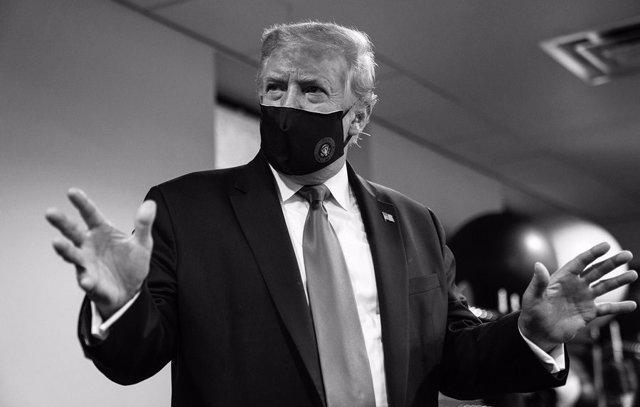 """Coronavirus.- Trump defiende ahora el uso """"patriótico"""" de mascarilla"""