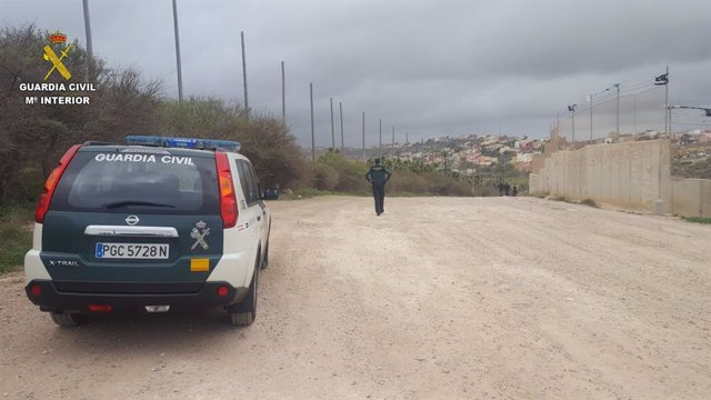 Patrulla de la Guardia Civil en Melilla
