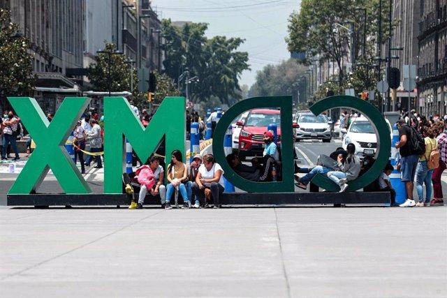 """Coronavirus.- México roza los 350.000 casos y asegura que la pandemia crece """"per"""