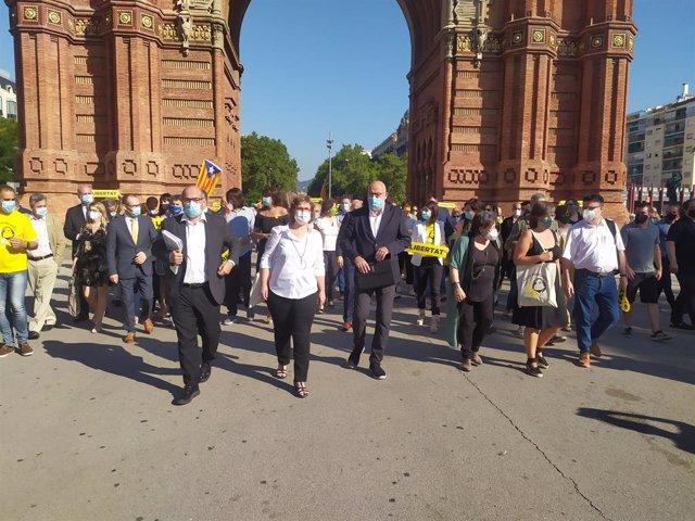 Els exmembres de la Mesa del Parlament Anna Simó (ERC), Ramona Barrufet, Lluís Corominas i Lluís Guinó (JxSí), i l'exdiputada de la CUP Mireia Boya arriben al Palau de Justícia de Barcelona, 21 de juliol del 2020.