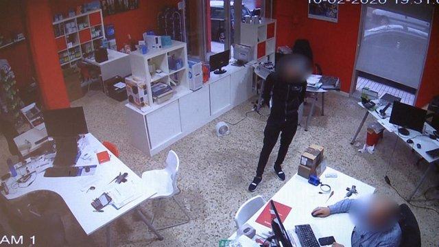 """Opc Albacete. Nota De Prensa (Detencion Dos Personas Por Hurto Por El Método De """"La Muleta"""""""