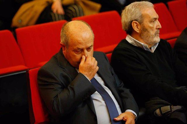 El exalcalde de Granada José Torres Hurtado, sentado en el banquillo del macrojuicio por el caso Serralo en Granada a 3 de febrero del 2020