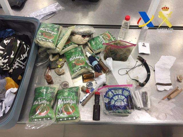 Sucesos.- Interceptados 37 kilos de ayahuasca en el aeropuerto de Barajas