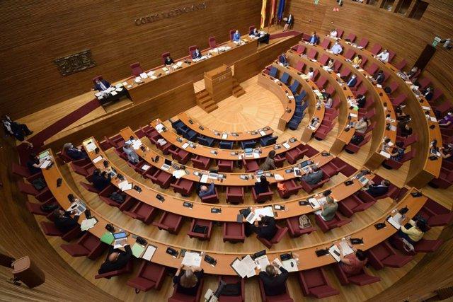 Compromís exige que el Congreso investigue a Juan Carlos I y el PSPV pide no div