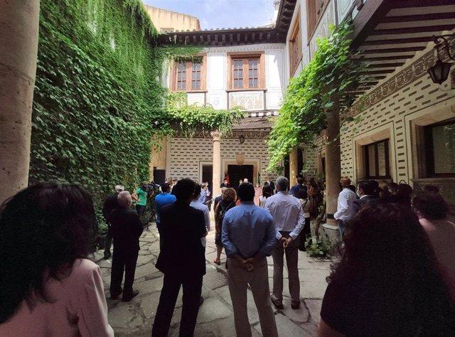 Acto de homenaje a las víctimas de la COVID-19 en la Cámara de Comercio de Salamanca.