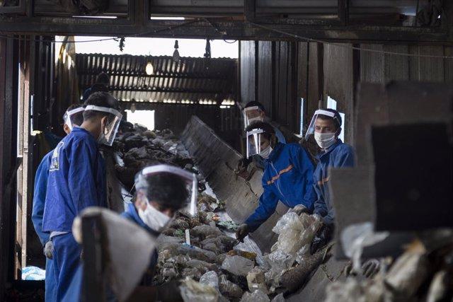 Coronavirus.- Irán bate récord de muertes diarias por coronavirus con cerca de 2