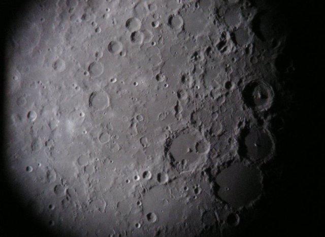Lluvia de rocas hace 800 millones de años en el sistema Tierra-Luna