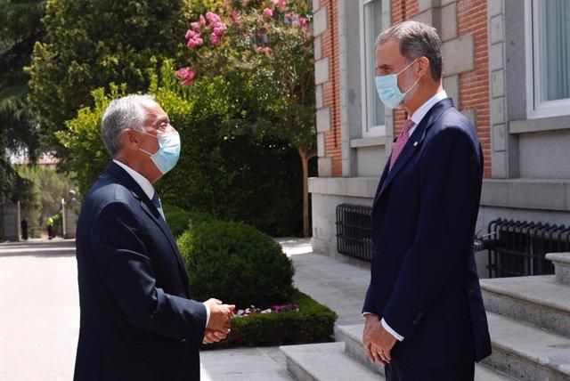 El Rey acompaña al presidente de Portugal en una visita al Museo del Prado y le