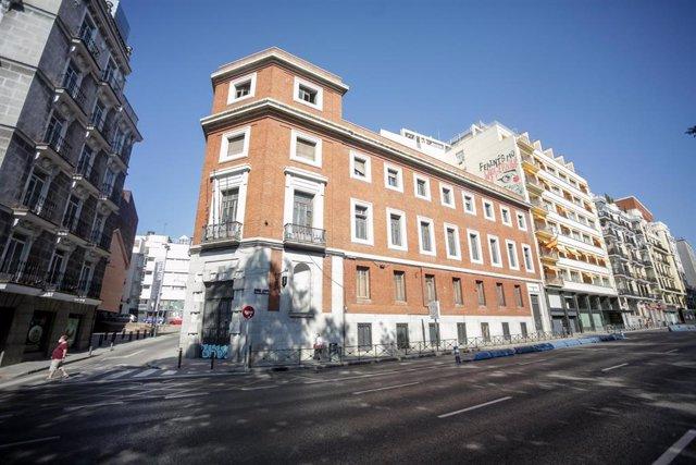 Fachada del edificio de Prado 30, antes okupado por La Ingobernable, después de que el alcalde de Madrid, José Luis Martínez-Almeida, haya anunciado que no acogerá finalmente el Museo Judío, en Madrid, (España), a 11 de julio de 2020.