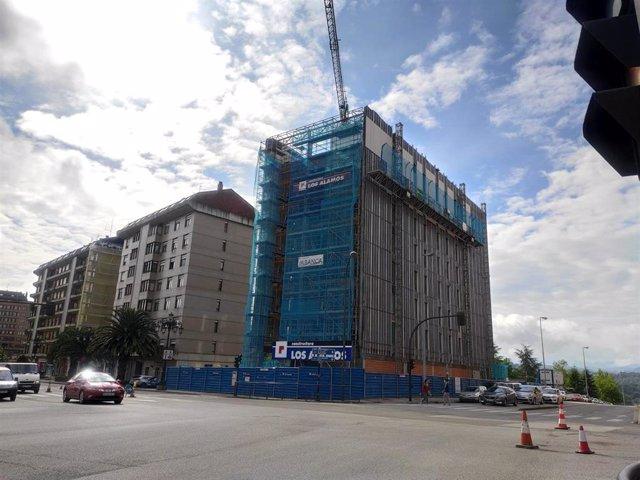 Obras en una promoción de vivienda nueva en Oviedo.