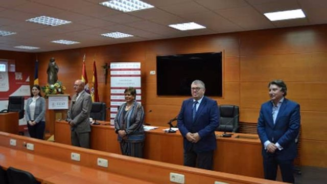 Firma del convenio entra la UCAV y asociaciones de formación de seguridad privada.