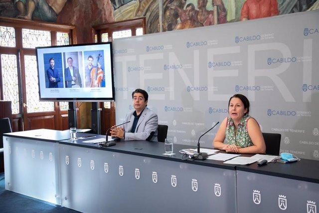 El presidente del Cabildo de Tenerife, Pedro Martín, y la consejera de Cultura, Concepción Rivero, presentan la nueva temporada de la Orquesta Sinfónica de Tenerife