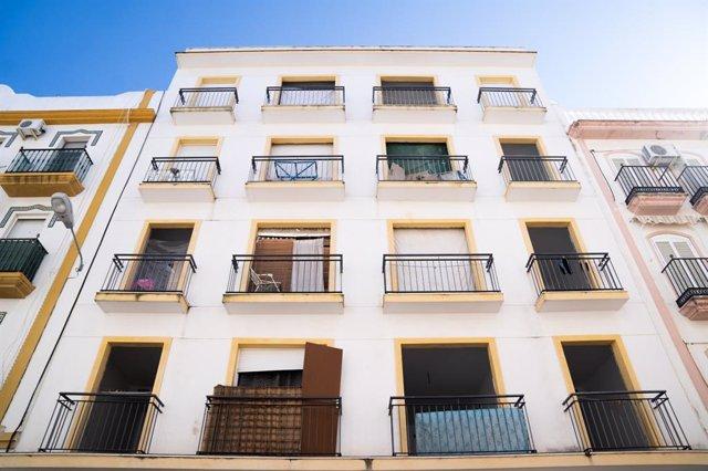 Edificio ocupado ilegalmente en el barrio de El Molino.
