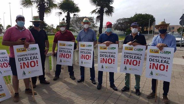 Miembros del campo andaluz en la concentración de Algeciras