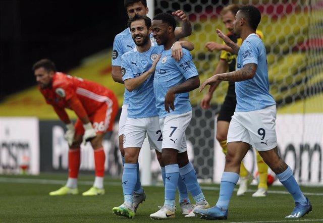 Sterling marca con el Manchester City