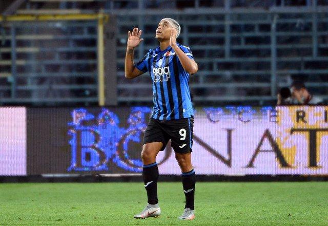 Fútbol/Calcio.- (Crónica) El Atalanta gana y presiona a la Juventus y el Milan s