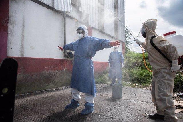 Coronavirus.- Casi 325 millones de personas tienen mayor riesgo si contraen la C