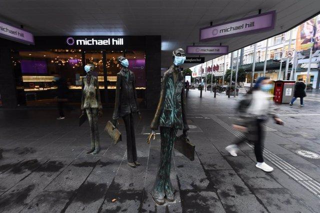 Coronavirus.- Melbourne bate el récord diario de casos de coronavirus en un día